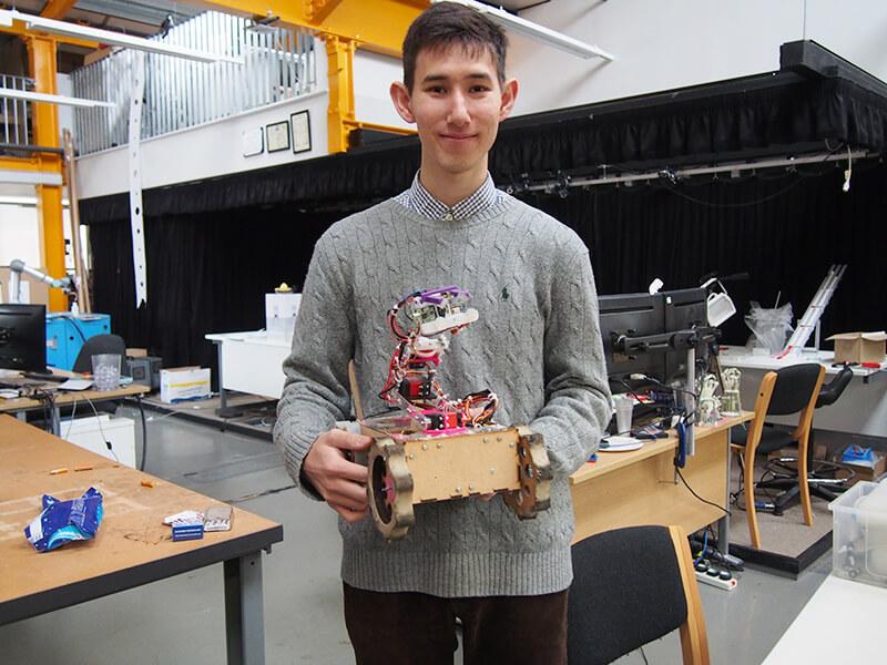 ケンブリッジ1年目につくったロボット